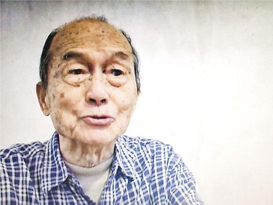2006年,時年89歲的廖譚清生前錄下一段影像資料,敘述自己的抗戰經歷。(楊立贇翻攝)