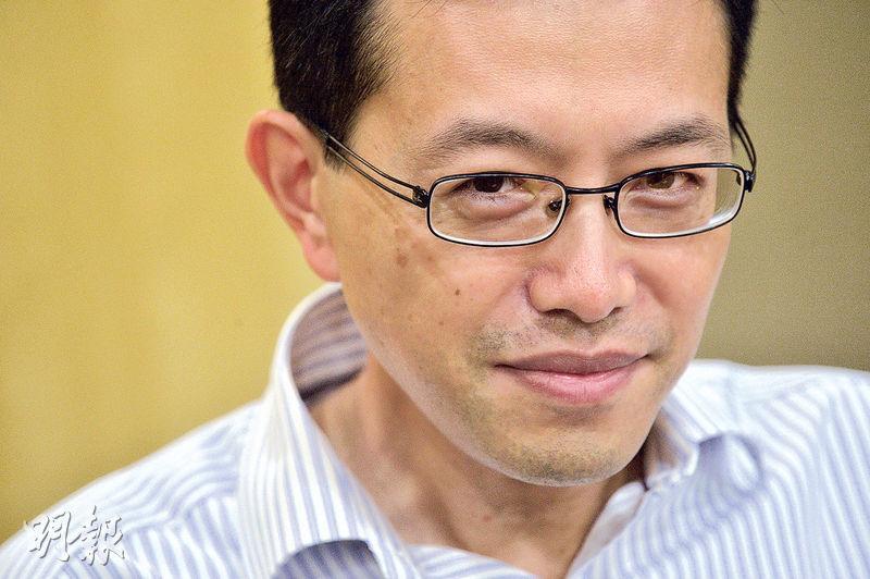 工聯會理事長吳秋北是去年反佔中大旗手之一,佔領運動過了一年,他稱不揣測佔中搞手戴耀廷的動機,但指客觀效果是佔中搞亂香港、想做「顏色革命」,反問戴耀廷,「你欠香港市民一個說法!」(蘇智鑫攝)