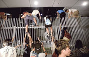 重奪公民廣場  揭佔領序幕  學生﹕有人喊拉鐵馬 才覺將佔領