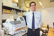 中大生物醫學院教授徐國榮說,基因測序產業已到「賺錢的時刻」,各類公司如雨後春筍般冒出來,逐鹿中原。(楊立贇攝)