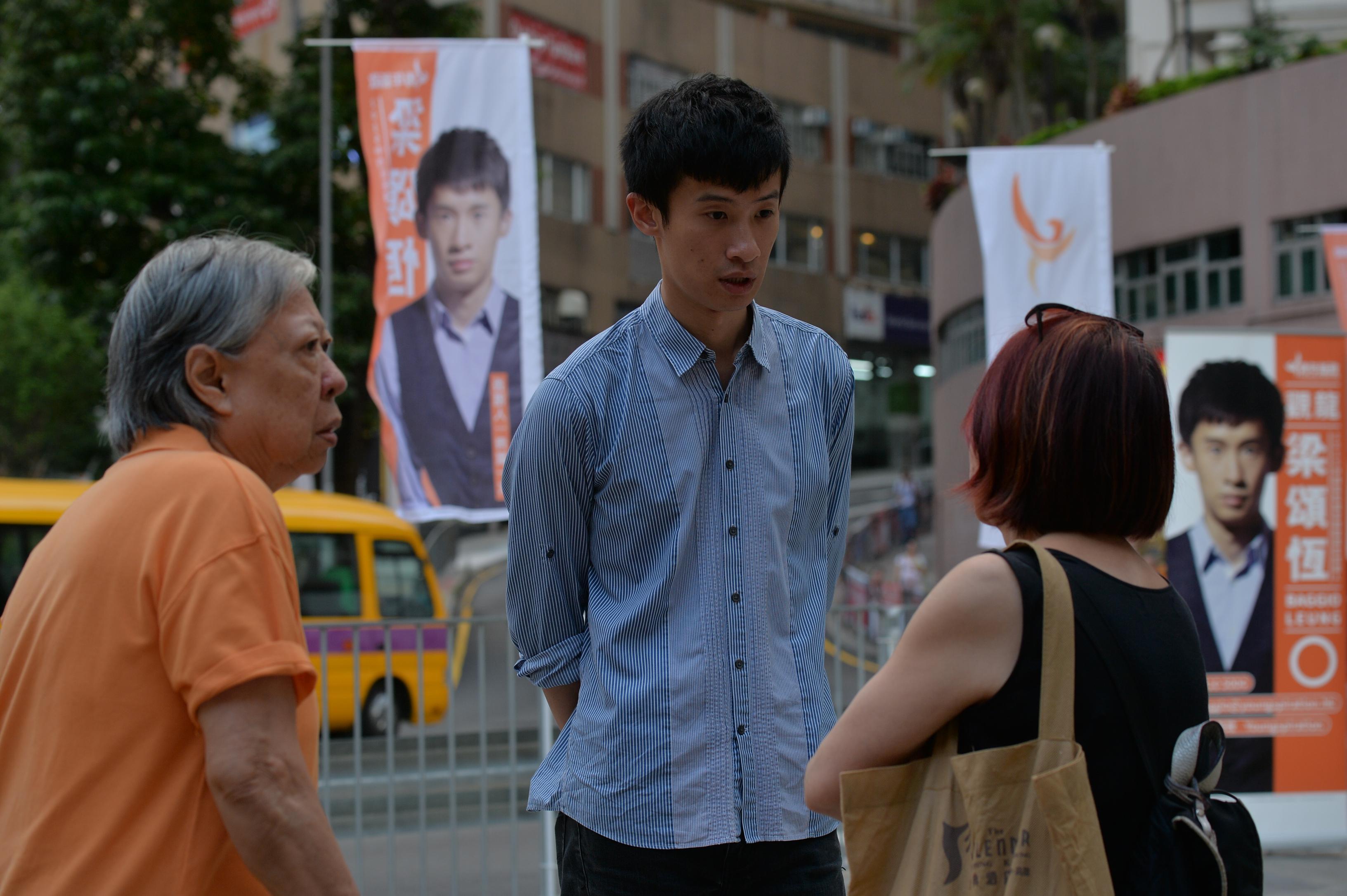 青年新政梁頌恆今年1月開始於觀龍區做社區工作,亦感受到葉國謙在該區的民望。(蘇智鑫攝)