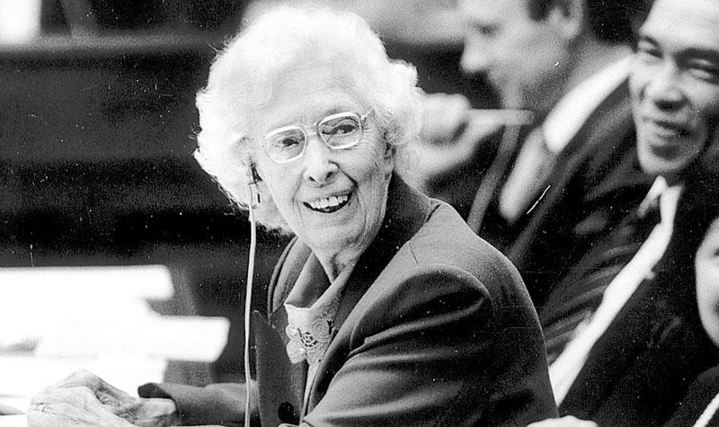 杜葉錫恩走完為民一生 捍衛基層 敢批政府 享年102歲