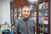 北京大學國際關係學院教授牛軍稱,軍權和外交權是毛澤東最重視的,因此及早糾正了造反派的錯誤。(林迎攝)
