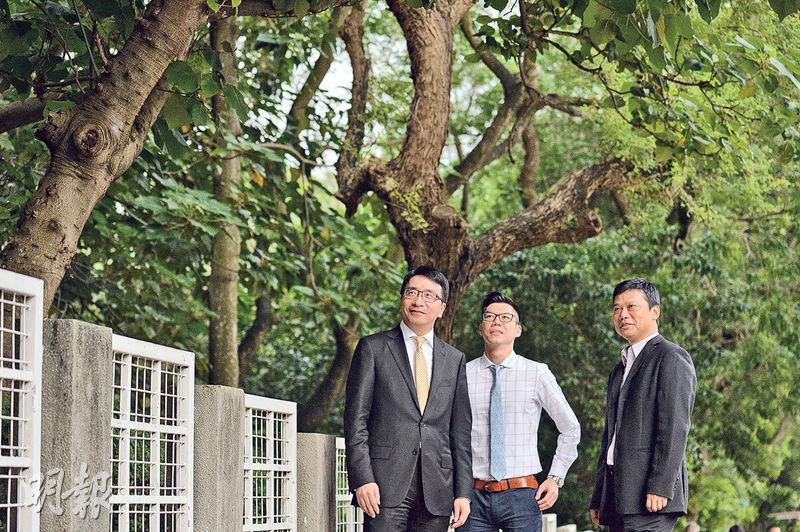 生產力促進局副總裁張梓昌(左)稱,市場導向是本港科研優勢,若研究項目概念出眾,不難找資助,難在說服業界接受新技術。旁為該局顧問李世豪(中)及林子聰(右)。(鄧宗弘攝)