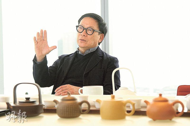 設計師梁志天認為,香港設計師勝在能接觸國內外最新科技及資訊。