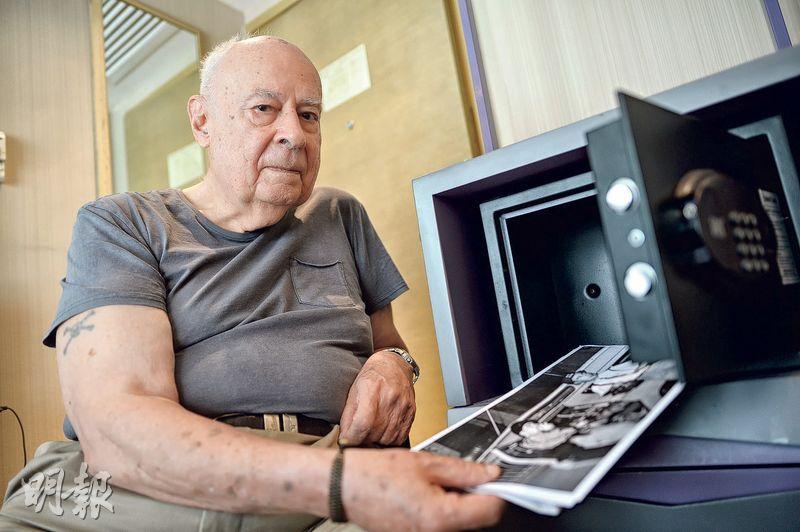 時任政府新聞處高級新聞主任的Peter Moss退休後長居馬來西亞,他表示,當年拍下的相片、文稿都放在新聞處,也有職員轉移存到政府檔案處,對於有研究者表示找不到相關歷史檔案,他感到驚奇,不知是否有人刻意隱藏文件。(鍾林枝攝)