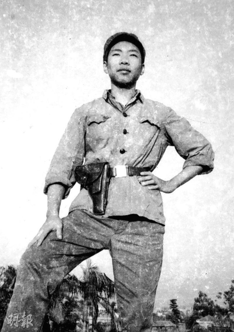 「根正苗紅」的吳力波(圖)中學時期被父母送到廣州讀書,未有成為參與六七暴動的「左仔」,卻在內地成為紅衛兵參與文化大革命,親眼目睹同伴在「武鬥」中死去。(吳力波提供)