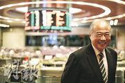 港交所主席周松崗期望10年內令香港成為一個為內地配置資產的中心,並為人民幣定價。(曾憲宗攝)
