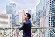Kevin說本港近年發展太慢,國際金融中心的地位已面臨危機,就快被內地多個城市超越,冀港人勿只懷抱過去,應提升競爭力。(馮凱鍵攝)