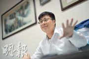 青年民建聯主席顏汶羽認為,香港年輕人參政渠道不足,政府亦缺乏吸納年輕人聲音的政策,形容政府的青年事務委員會是「青年活動撥款委員會」。(蘇智鑫攝)
