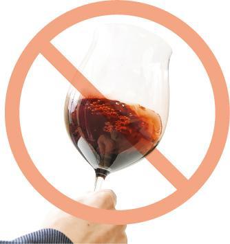 戒煙戒酒——吸煙、飲酒、食大量紅肉及肥胖等會增加患大腸癌風險。(資料圖片)