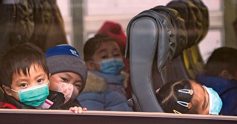 遏流感 幼園小學提早放年假 已接種疫苗兒童佔兩成 林鄭﹕入校打針未必可行