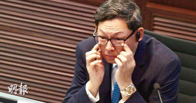 陳德霖:樓市待觀察 鬆綁尚早  港家庭抗震力高  銀行風險有限