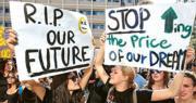 英政府提大學兩年制 最快明年落實  料省兩成學費  減學生負擔