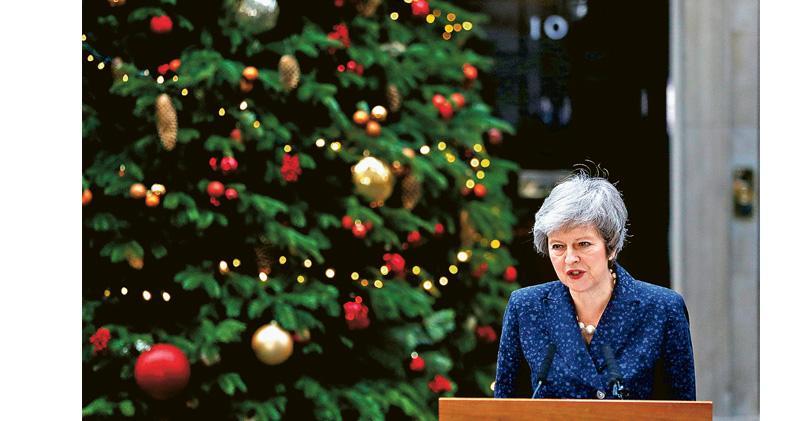 文翠珊遭逼宮 警告脫歐爛尾  疑歐派乏接相位人選  困局添亂