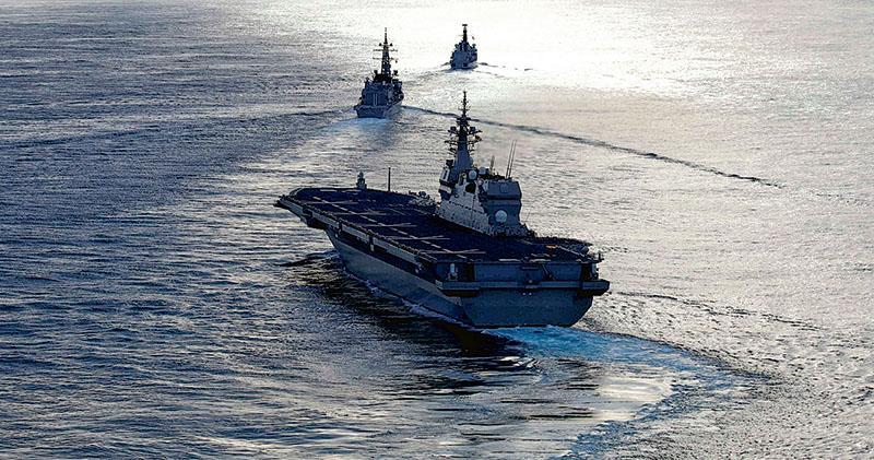 護衛艦航母化 日輿論憂專守防衛變質 新版防衛大綱 稱應對中朝威脅