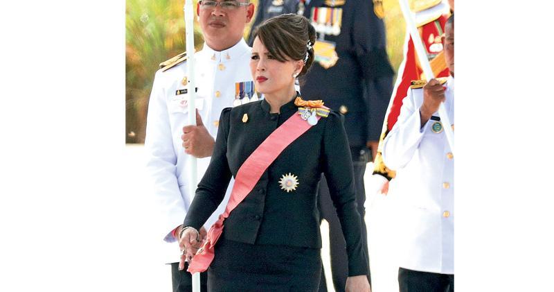 胞姊出選首相 泰王斥違憲不當 烏汶叻代表他信派 勢被選委會DQ
