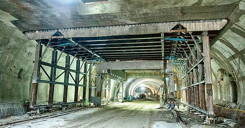 大橋隧道局部改鑽孔黏合劑駁鋼筋 原靠螺絲帽 路署:符技術安全要求