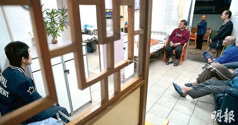 社署倡院舍須駐護士 料需860人 「高度院舍」人均面積增至9.5方米 業界憂成本增難請人