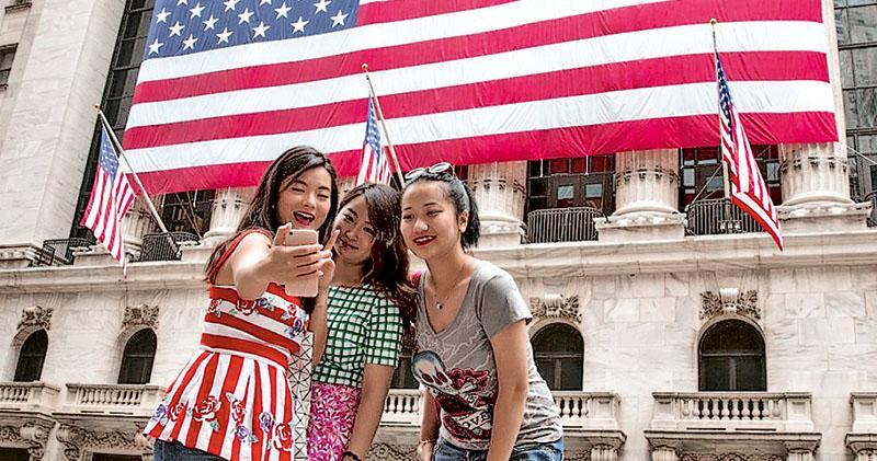 外交部文旅部齊發赴美旅遊警示 有效期至年底 彭博:恐影響美業界