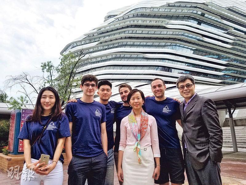 理大送學生深圳實習學初創  與當地大學生合作創業路演