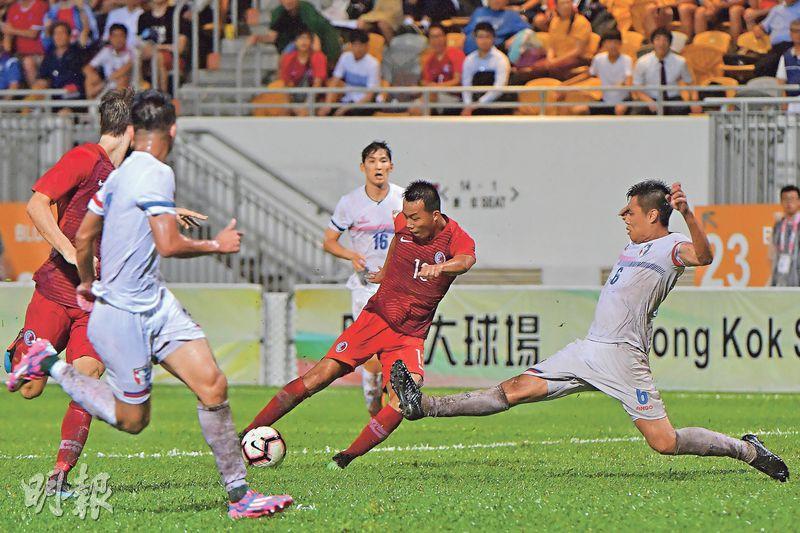 港足主場吞兩蛋 52年來首負中華台北 新帥麥柏倫出師不利 批「踢得像孩子」