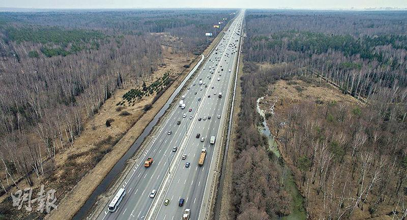 俄羅斯同意興建全長約2000公里的高速公路,以打通中國歐洲陸路超級運輸走廊。(網上圖片)