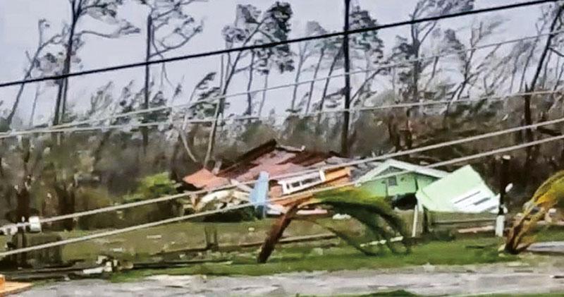 重創巴哈馬 怪獸級颶風撲美東 風速曾達295公里 4州進緊急狀態
