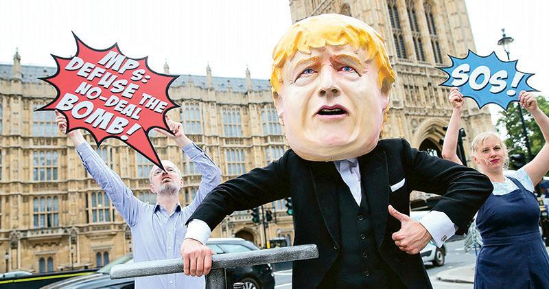 威脅提前大選 無阻保守黨議員倒戈 約翰遜「靠嚇」無效 失議會控制權