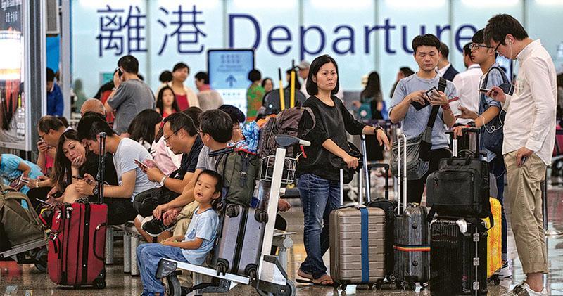 港人旅遊熱點機票大劈價  日本線跌逾兩成 東瀛遊團費減16%