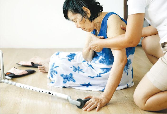 長者一跌 斷髖骨手尾長 依從練習 戒除惡習 重拾活動能力