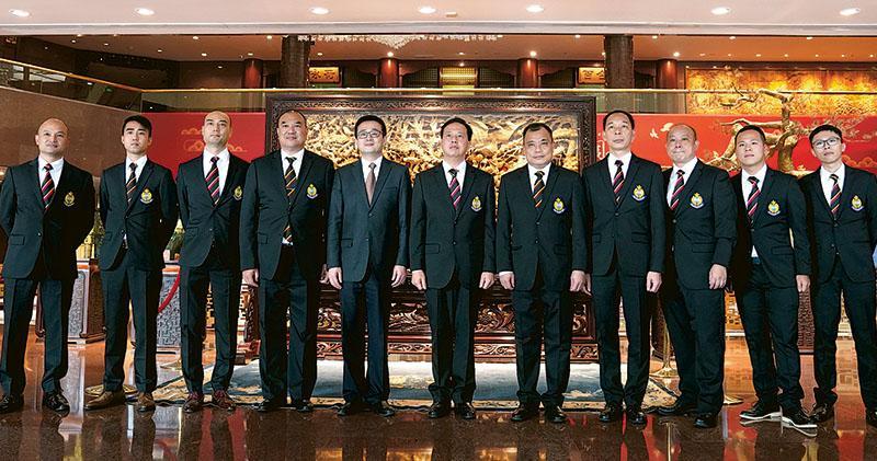 林鄭率240人上京  10.1黃昏返港  代表團明後日看閱兵參觀成就展