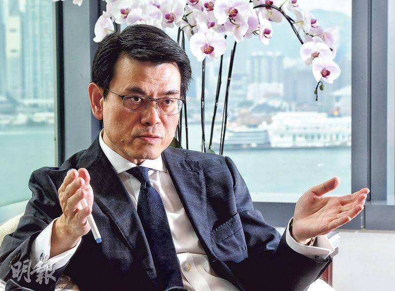 商務及經濟發展局長邱騰華(圖)認為中美貿戰將改變環球貿易格局,香港及中小企皆要做好準備應對新形勢。(劉焌陶攝)