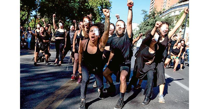 智利總統:查暴徒力度同查警暴  檢察官申請查14警  人權組織提181訴訟