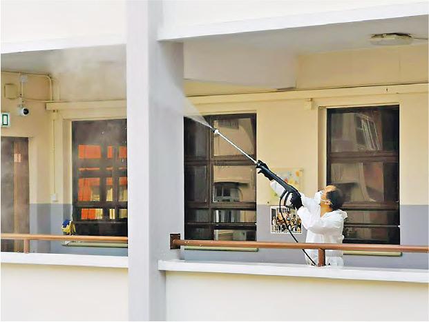 催淚煙重災區洗校園 葉建源促發額外津貼