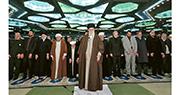 被指袒護革命衛隊 講辭態度強硬 伊朗最高領袖罕有領禱 嘲特朗普「小丑」