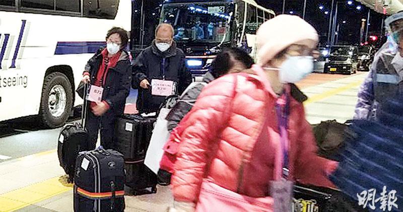 公主號首批最少92港人回家  入境處:昨包機只載港人  或會準備第三架