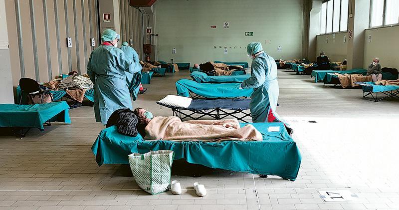 意逾1.5萬人染疫  韓單日康復者首超確診  檢測追蹤成分野  意韓命運迥異