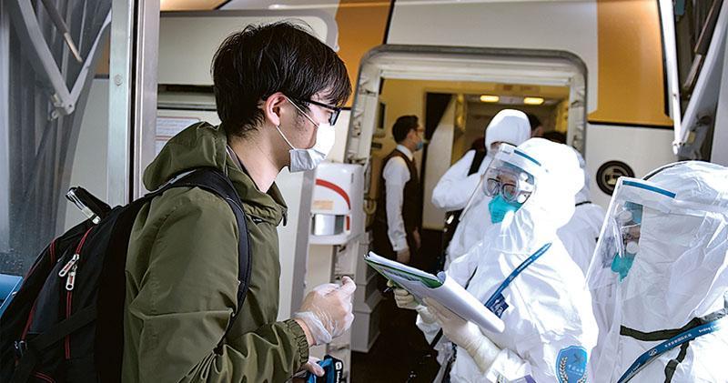 滬入境需核酸檢測 穗豁免港澳台 上海增8疫情防控國 入境前14天到訪需隔離