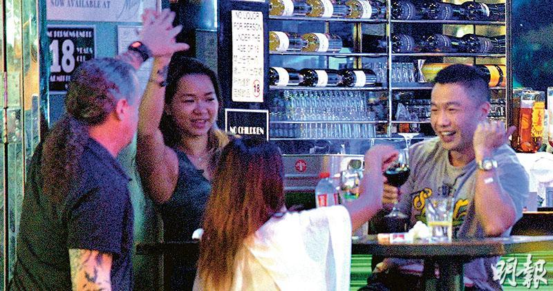 酒吧食肆禁賣酒  無提補償  林鄭:不排除限時營運  業界質疑邏輯法律罅