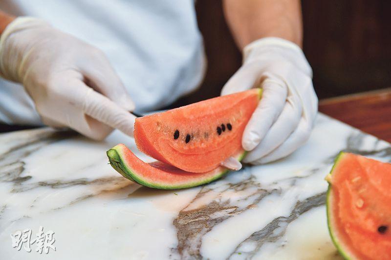【切水果神器】鮮甜亮麗芒果蜜瓜 日本水果達人傳授切水果心法(另附切水果神器實測)