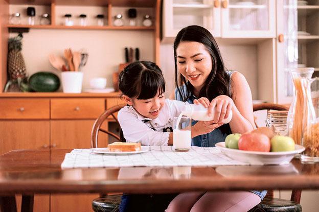 一份有營早餐,可以提升孩子的專注力,有助他們學習。(Piyapong Thongcharoen@iStockphoto)