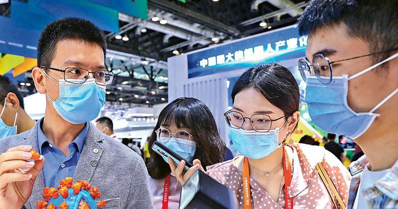 鍾南山:中國 4 新冠疫苗正進行第三期臨牀試驗 接種需約1至2年