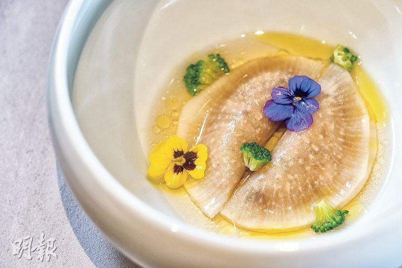 韓式寺廟料理 不時不吃 素菜颳韓風 蘿蔔餃皮薄清新