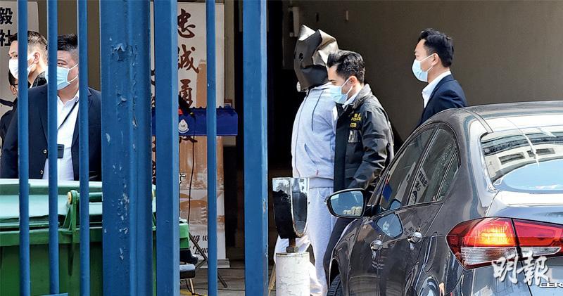 未成年黃臨福回港 國安處即問話 警監視下見律師家人 消息指黃「精神呆滯」