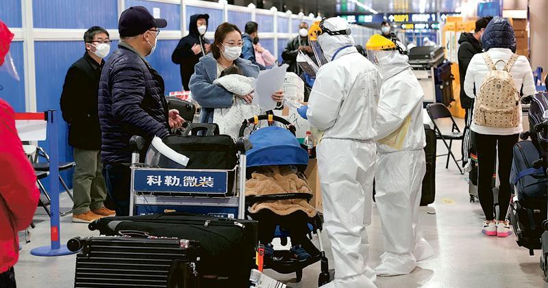 內地首現英國變種病毒 中疾控報告:患者12月中自英國返滬後確診