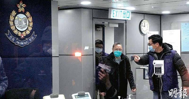 大搜捕53人陸續保釋 扣旅遊證件 戴耀廷:信港人逆風而行 黃之鋒譚得志涉顛覆獄中被捕