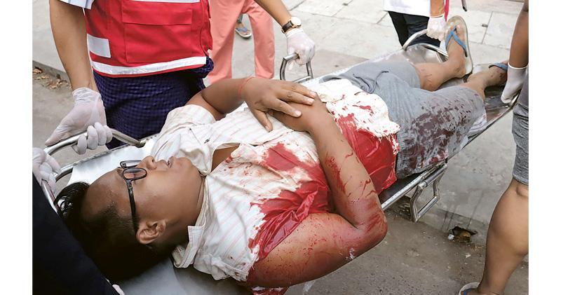 緬軍警開槍兩死逾20傷 政變後最血腥 義務急救員:一半傷者受實彈所傷