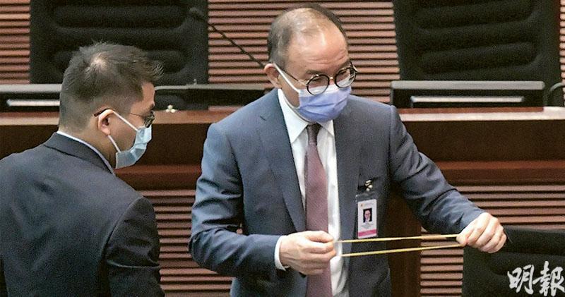 議員倡公開是否持外國護照 曾國衞:研選委提名表蒐國籍資料