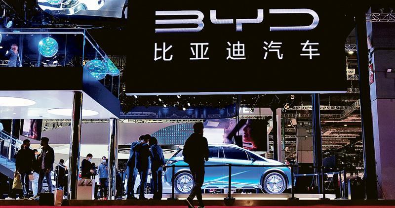 恒指季檢納3新貴 意外沒科技股 比亞迪去年被剔出國指 今年染藍